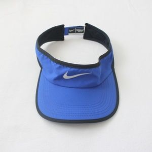 NWOT NIKE DRI-FIT FEATHERLIGHT SUN VISOR